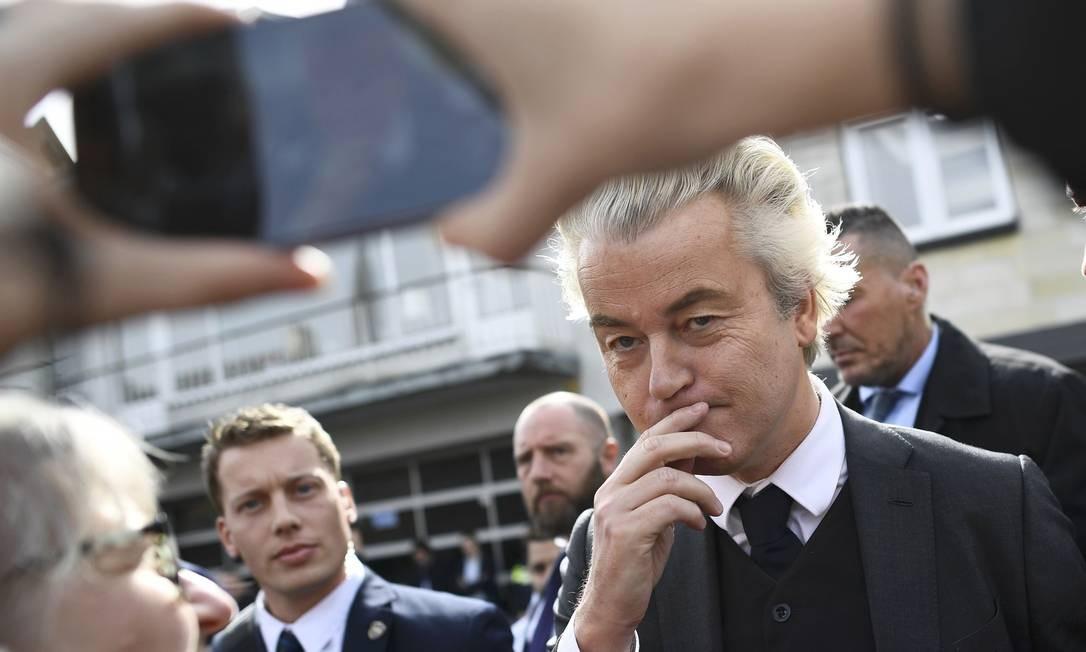 O líder do Partido para a Liberdade, Geert Wilders, é chamado de 'Trump holandês'. Sua boa performance nas pesquisas fez a UE temer um efeito em cadeia de populistas após o Brexit e a eleição de Donald Trump nos EUA Foto: DYLAN MARTINEZ / REUTERS