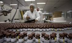 Fábrica de vacinas para a febre amarela da Bio-Manguinhos, na Fiocruz Foto: Márcia Foletto / Agência O Globo