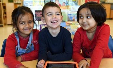 Crianças sorriem em escola do Canadá Foto: Reprodução/ Facebook Toronto District School Board