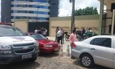 Segundo relatos iniciais, uma pessoa foi até a sala dos dois alvos e efetuou os disparos Foto: Aura Mazda / O Globo