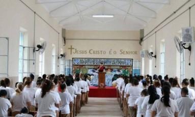 Inauguração do templo na Penitenciária Feminina de Sant'Ana, em São Paulo Foto: Reprodução / Igreja Universal do Reino de Deus