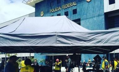 Filme tem parte de suas cenas rodadas na sede da Polícia Federal, em Curitiba Foto: Divulgação