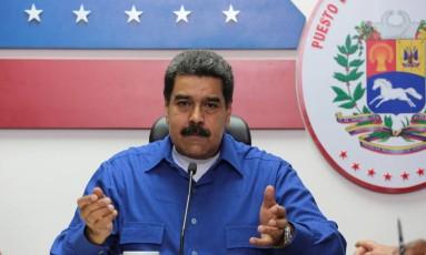 O presidente venezuelano, Nicolas Maduro, fala durante um encontro com ministro em Caracas Foto: HANDOUT / REUTERS