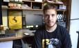 O youtuber Felipe Salazar começou a analisar 'The walking dead' no ensino médio Foto: Divulgação