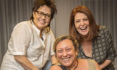 Sonia Lima (à direita) com Nina de Pádua e a diretora Bárbara Bruno (sentada) Foto: Analice Paron / Agência O Globo
