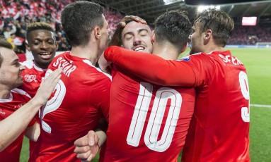 Suíça derrotou a Letônia por 1 a 0, gol de Josip Drmic Foto: Cyril Zingaro / AP