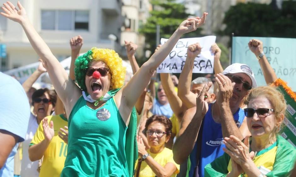 O público procurou se vestir de verde e amarelo no ato Foto: Guilherme Pinto / O Globo