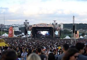Público durante o primeiro dia do Lollapalooza Brasil 2017 Foto: Lucas Tavares / Agência O Globo