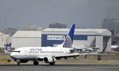 Duas adolescentes foram proibidas de embarcar num voo de Denver para Minneapolis Foto: Mel Evans / AP
