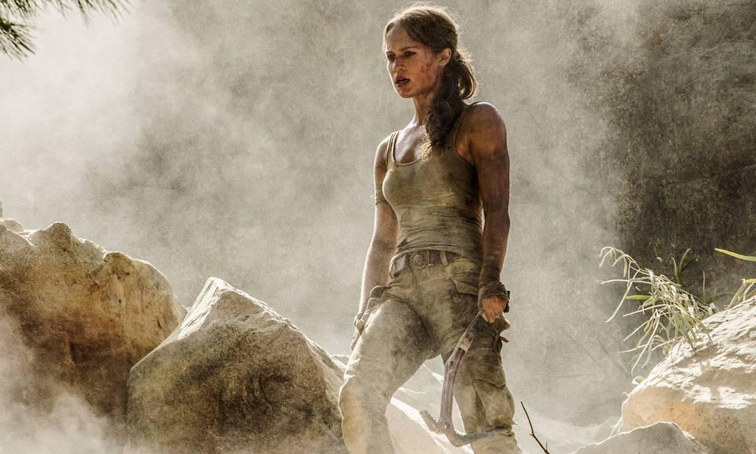 Revista divulga primeiras imagens oficiais de Alicia Vikander como Lara Croft
