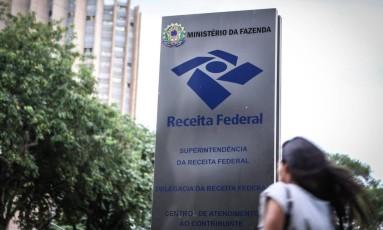 Ministério da Fazenda cogita aumentar impostos para cobrir rombo no orçamento Foto: André Coelho / Agência O Globo
