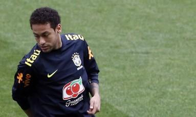 Neymar no treino desta segunda-feira, na Arena Corinthians Foto: Edilson Dantas