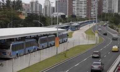 O novo trecho partiria do Jardim Oceânico e seguiria, sob a Avenida das Américas, até o Recreio Foto: Márcia Foletto / Agência O Globo