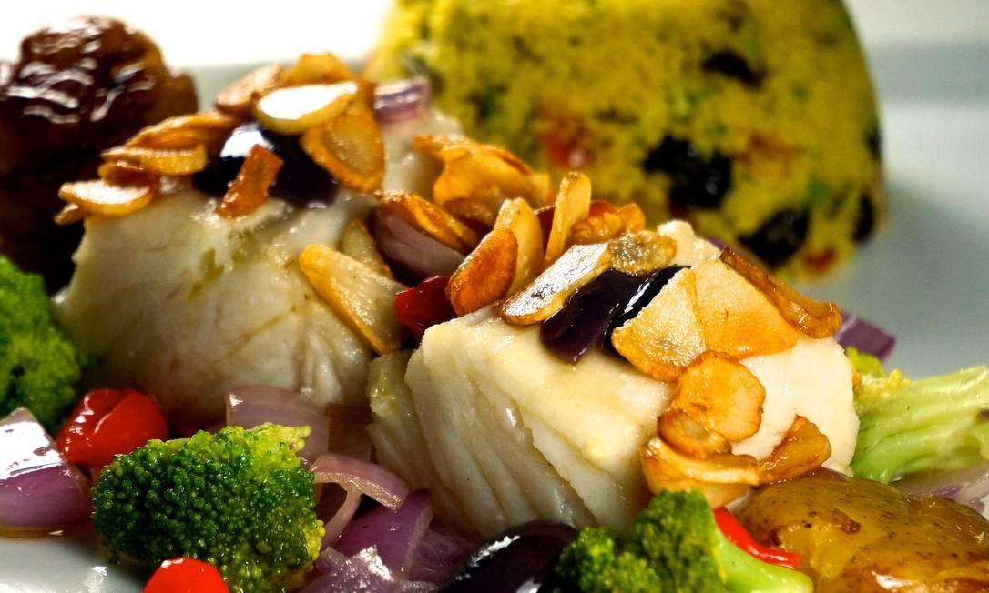 Aprenda uma receita de bacalhau à lagareiro perfeita para a Páscoa