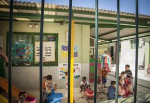 Crianças brincam em creche, em Niterói Foto: Analice Paron / Agência O Globo