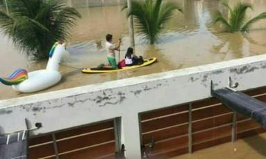 Unicórnio salva moradores de enchente,no Peru Foto: Reprodução