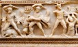 Sarcófago mostra 12 proezas de hércules Foto: Divulgação Ministério Público de Genebra