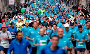 Participantes de maratona em Jerusalém: estudo apontou risco de lesões renais Foto: THOMAS COEX/AFP/17-3-2017