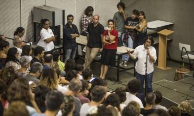 Assembleia de professores da Uerj na última segunda-feira Foto: Guito Moreto - 27/03/2017 / Agência O Globo
