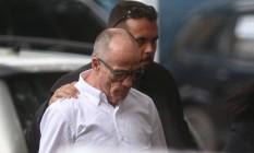 Aloysio Neves chegando na Superintendência da PF Foto: Fabiano Rocha / Agência O Globo
