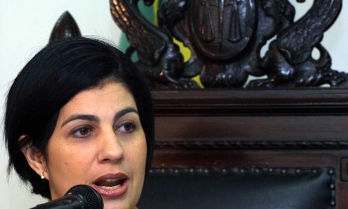 A prefeita de Campos, Rosinha Garotinho, é entrevistada em 2002 Foto: Agência O Globo
