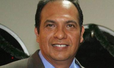"""Armando Arrieta trabalha há mais de duas décadas no jornal mexicano """"La Opinión"""" Foto: Reprodução"""