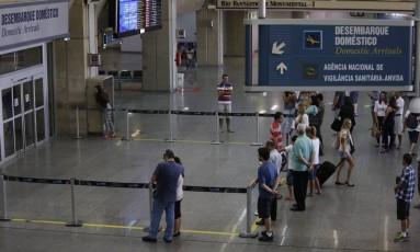 Movimentação no aeroporto do Galeão. Foto Pablo Jacob / Agência O Globo
