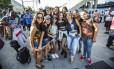 Grupo de fãs veio de São João del-Rei, em Minas Gerais, para acompanhar o show de Justin Bieber na Apoteose Foto: Barbara Lopes / Agência O Globo