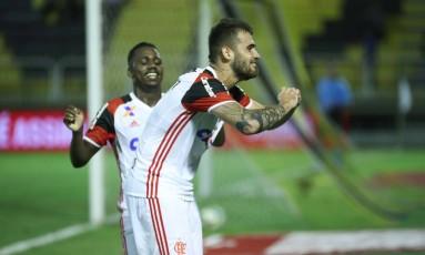 Felipe Vizeu comemora o gol do Flamengo no empate com o Volta Redonda Foto: Gilvan de Souza/Flamengo