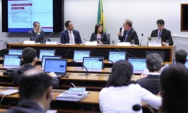 Comissão especial da Câmara dos Deputados analisa dois projetos que regulamenta acesso a dados pessoais Foto: Agência Câmara