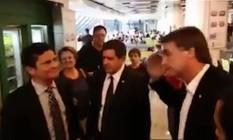 Bolsonaro encontra Sérgio Moro no aeroporto Foto: Reprodução