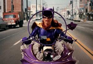 A atriz Yvonne Craig como a Batgirl em 1960 Foto: AP