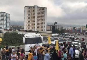 Manifestantes bloqueiam avenidas em Caracas Foto: Reprodução 'El Nacional'