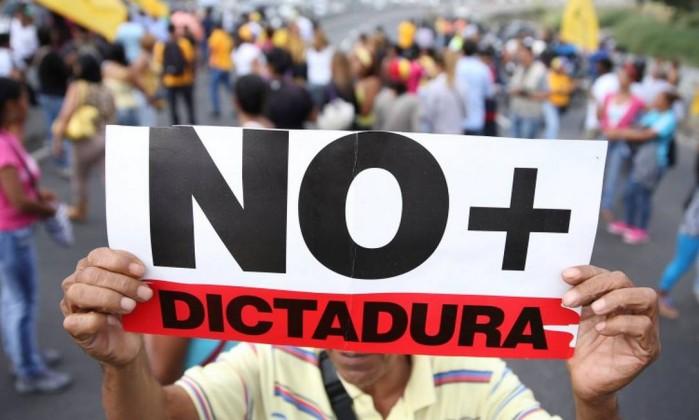 Resultado de imagem para constituinte da ditadura