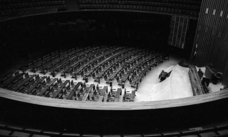 Recesso. Congresso Nacional completamente vazio após a edição do Pacote de Abril Foto: Orlando Brito 30/04/1977 / Agência O Globo