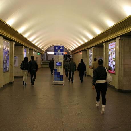 Hall da estação de metrô de Sennaya Ploshchad, em São Petersburgo Foto: Reprodução
