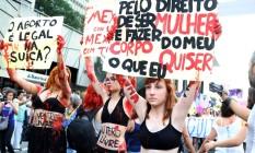 Manifestação em defesa da descriminalização do aborto na Avenida Paulista, em São Paulo
