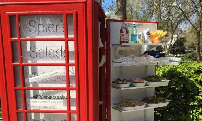 Spier's Salads: cabine telefônica transformada em buffet de salada Foto: Divulgação