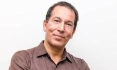 O jornalista, editor e poeta Miguel de Almeida é o novo colunista do Segundo Caderno do Jornal O Globo Foto: Leila Fugii/Divulgação