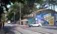 Um turista italiano e uma turista argentina foram mortos ao entrarem, por engano, no Morro dos Prazeres. Violência preocupa donos de hotéis, bares e restaurantes