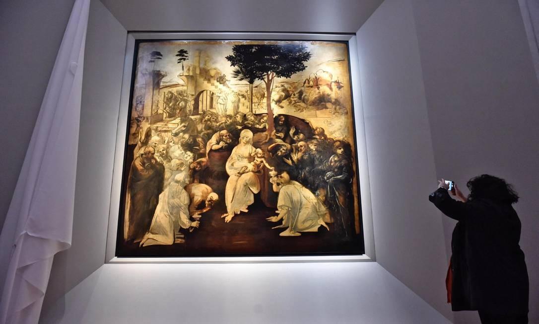 """Outro motivo para visitar o museu é a exibição de """"Adoração dos Reis Magos"""", de 1481, um dos trabalhos mais importantes da fase inicial de Leonardo da Vinci, que volta a público após uma restauração que durou seis anos. Foto: Maurizio Degl' Innocenti / AP"""
