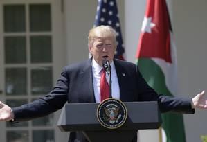 Trump fala durante coletiva de imprensa com o rei da Jordânia, Abdullah II Foto: Susan Walsh / AP
