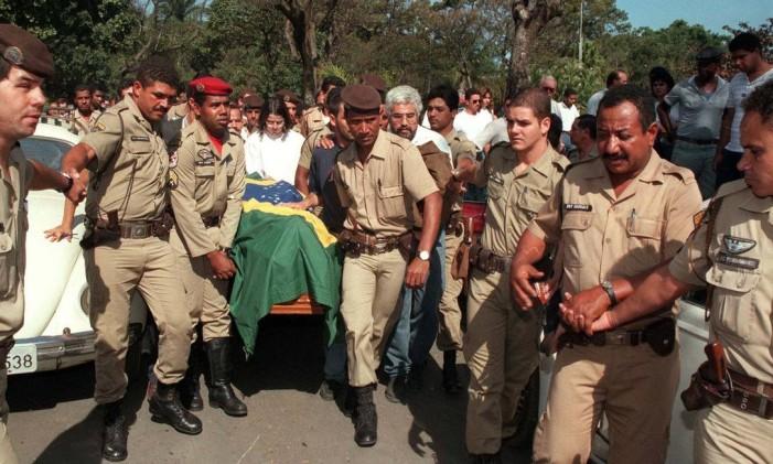 Cabo da PM morreu em confronto durante greve de policiais em Belo Horizonte, em 1997 Foto: Sidney Lopes/ O Estado de Minas