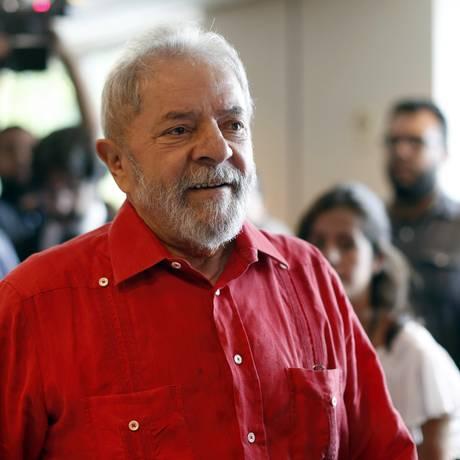 Ex-presidente também elogiou Ciro Gomes e criticou João Doria e o bombardeio norte-americano na Síria Foto: Edilson Dantas / O Globo - 24/03/2017