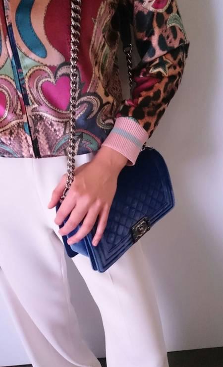 9a42651affe Close na bolsa Chanel de Celina. No dia a dia