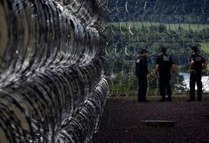 Penitenciaria Federal de Seguranca Maxima de Catanduvas, no Paraná: novas prisões encontram resistências nos estados Foto: Marizilda Cruppe / Agência O Globo