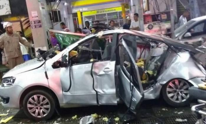 Veículo explode enquanto é abastecido e mata mulher no Rio de Janeiro