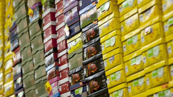 Caixas de sapato em uma filial da Payless, em Nova York Foto: Scott Eells/Bloomberg/2-5-2012