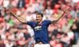 Ibrahimovic comemora gol quando ainda defendia o Manchester United Foto: SCOTT HEPPELL / AFP