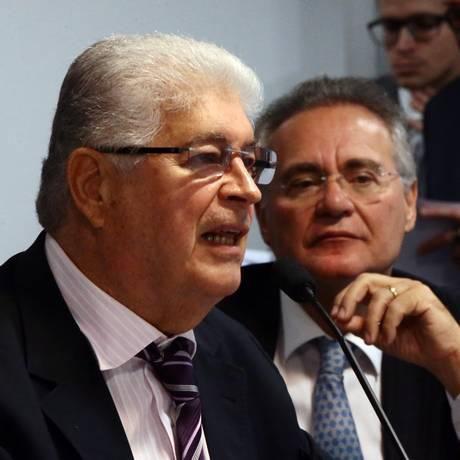 O senador Roberto Requião (PMDB-PR) é relator na CCJ Foto: Givaldo Barbosa / Givaldo Barbosa/29-3-2017
